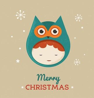 Милый ребенок в костюме рождества совы.
