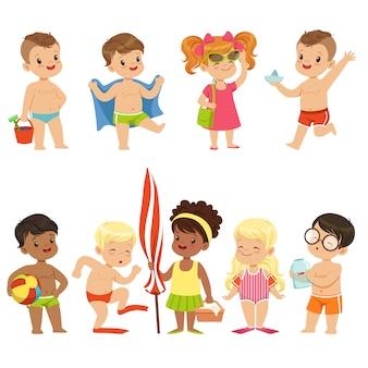 ビーチの海辺でかわいい子供の漫画