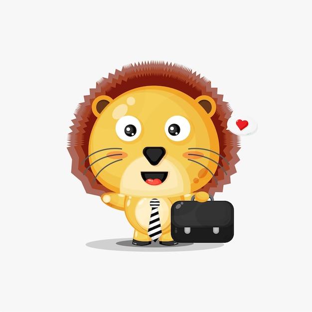 かわいいライオンのマスコットは白で隔離された仕事に行きます