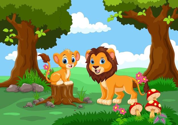 Милые львы в лесу