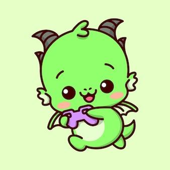 귀여운 아기 녹색 드래곤이 게임을 즐기고 보라색 조이스틱을 들고 행복한 얼굴을 만듭니다.