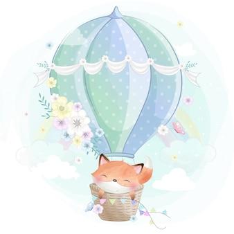 Милая маленькая лиса на воздушном шаре