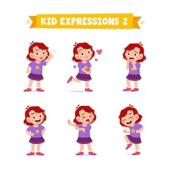 Милая маленькая девочка в различных выражениях и жестах
