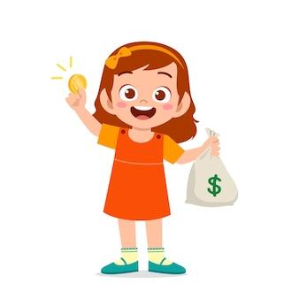 Милая маленькая девочка несет сумку с деньгами и монетами