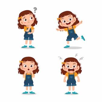 Милая маленькая девочка позирует с различными выражениями Premium векторы
