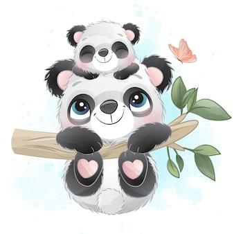 Милый маленький панда отец и ребенок висит на дереве