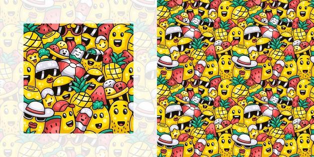 夏のシームレスな落書きパターンでアイスクリームと果物を持っているかわいいモンスター