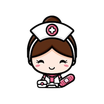 Милая медсестра с аптечкой, изолированной на белом