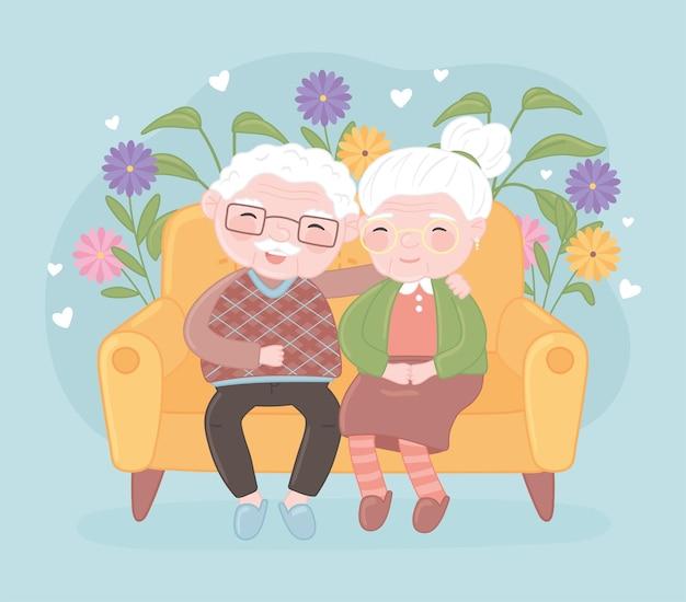Милая старая пара улыбается
