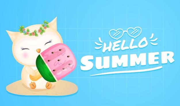 여름 인사말 배너와 함께 큰 아이스크림을 들고 귀여운 올빼미