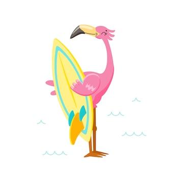 해변에서 서핑 보드와 함께 귀여운 핑크 플라밍고