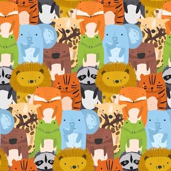 大ざっぱなライオン、ワニ、キリン、トラ、アライグマの混乱とかわいいシームレスパターン
