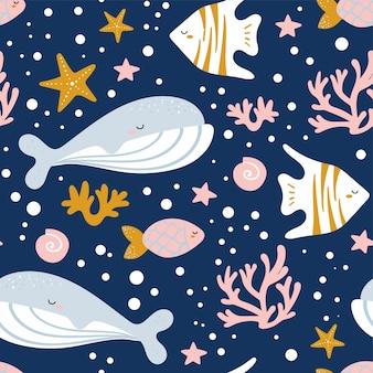 クジラ、イッカク、タコ、クラゲ、ヒトデ、カニとかわいいシームレスパターン。ファブリック、ラッピング、テキスタイル、壁紙、アパレルの創造的な子供のテクスチャです。ベクトルイラスト。