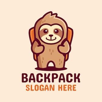 バックパックのマスコットのロゴが付いたかわいいナマケモノ Premiumベクター