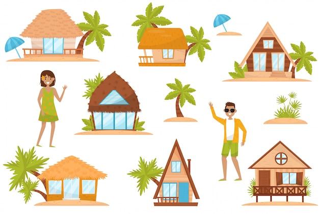 かわいい小さな家セット、白い背景のノーム、小人またはエルフのイラストのおとぎ話ファンタジーの家
