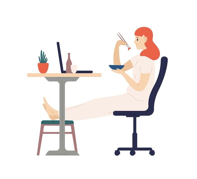 箸で夕食を食べて、ラップトップコンピューターで映画を見ているかわいい笑顔の女の子。家で食事をする愛らしい若い女性。毎日のレクリエーション活動。フラット漫画カラフルなベクトルイラスト。