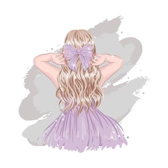 紫色のリボンとドレスを身に着けているかわいいスタイリッシュなブロンドの髪の女の子の裏側グラマー女性のファッション