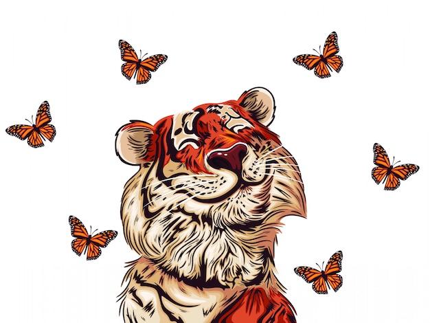 Милый тигр с большой улыбкой смотрит на бабочку