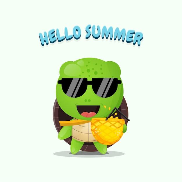 夏の挨拶でパイナップルジュースを運ぶかわいいカメのマスコット