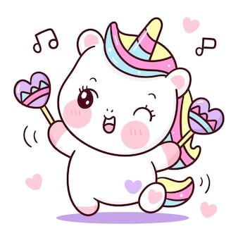 Симпатичный мультяшный единорог танцует на полу с маленьким сердечком каваи