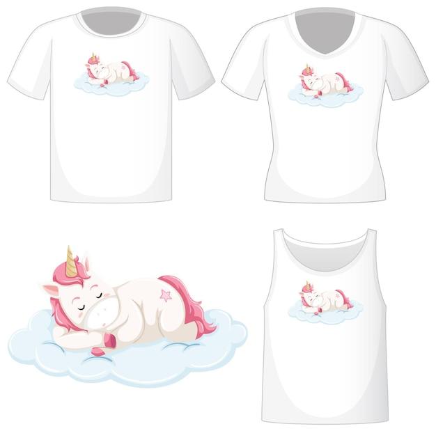 Logo di unicorno carino su diverse camicie bianche isolato su priorità bassa bianca