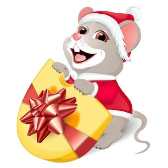 Милая белая крыса в красном костюме санты.