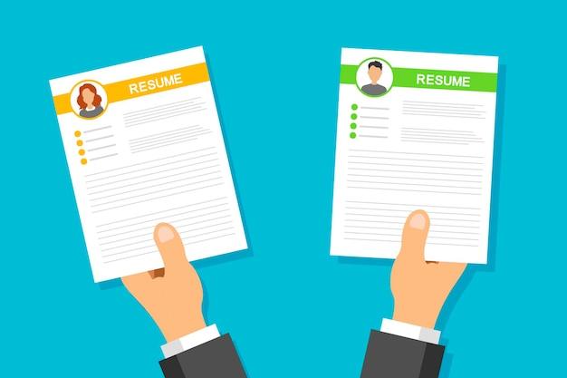Cv 애플리케이션 세트. 사업가 여자 남자 손에 다시 시작합니다. 전문 직원을 검색하고 선택하십시오. 모집 및 고용. 면접 개념.