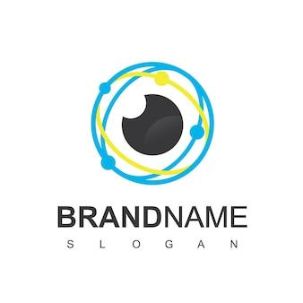 Логотип cyber secure, глаз с символом технологической цепи