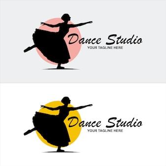Логотип танцевального клуба, балерина в танце логотип. идеально подходит для балетной школы или студии