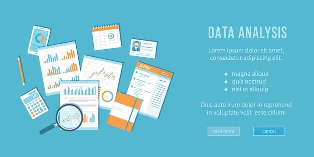 Концепция анализа данных финансовый аудит, аналитика, статистика, стратегическое управление отчетами, увеличительное стекло над документами с графиками, ноутбук, калькулятор, календарь, вектор, вид сверху