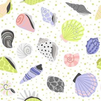 装飾貝殻シームレスパターン。漫画の海のコンチャ、アサリとカキの手描きの貝殻、海の宝の要素、ベクトルイラスト海の貝殻白い背景