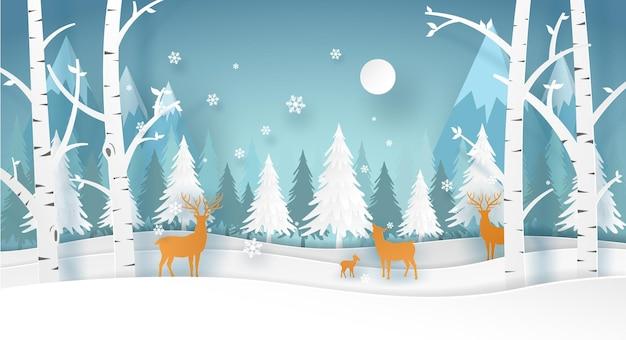 흰색 나무와 눈이 겨울 시즌에 숲에서 사슴 가족. 벡터 종이 예술에 크리스마스 카드입니다.