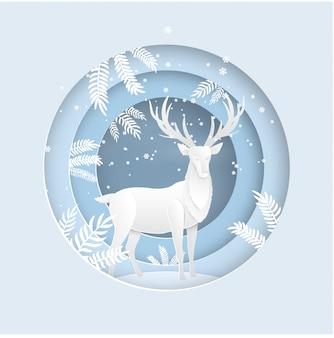 겨울 시즌에 눈이 숲에서 사슴. 크리스마스 카드