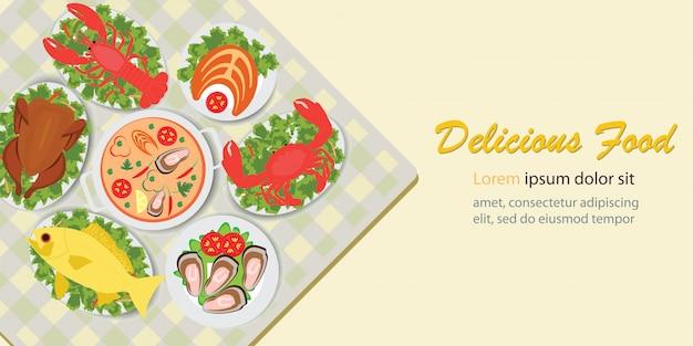 Вкусная еда обеденное меню с куриным салатом и морепродуктами.
