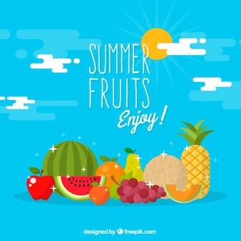Вкусные фрукты летом