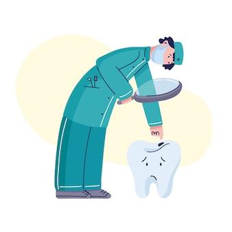 Дантист в медицинской маске смотря больной зуб с кариесом.