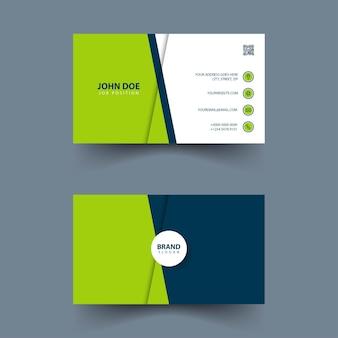 Дизайн простой визитки с синими и зелеными фигурами