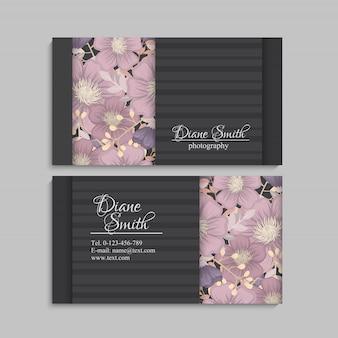 화려한 텍스처와 꽃, 잎, 허브 디자인 서식 파일 명함.