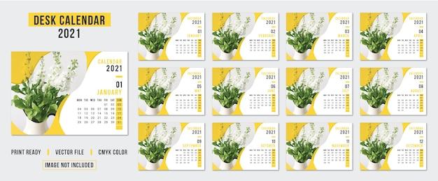 Desk calendar for 2021 yearly planner