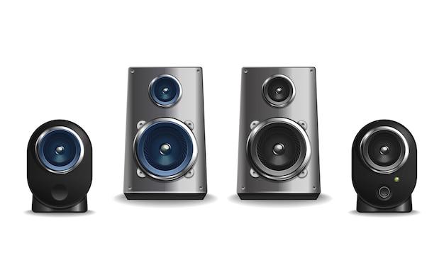 다양한 모양과 크기의 데스크탑 오디오 스피커 모음. 금속 및 플라스틱 스피커 세트.
