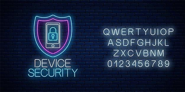 Устройство обеспечивает светящийся неоновый знак с алфавитом на фоне темной кирпичной стены. символ кибербезопасности с щитом и мобильным устройством с замком. векторная иллюстрация.