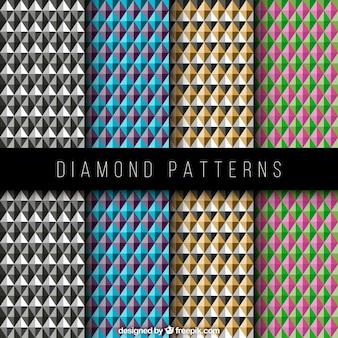 다른 색상의 기하학적 모양을 가진 다이아몬드 패턴
