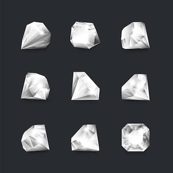 다이아 패 한 벌. 검은 배경에 분리된 3d 흰색 다이아몬드, 반짝이는 가장자리가 있는 둥근 모양의 현실적인 고급 보석. 벡터 보물 돌 세트, 다양한 위치에 있는 삽화 면처리된 보석