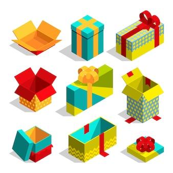 Разные рождественские коробки для подарков.