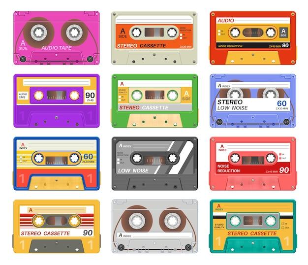 異なる色の音楽テープレトロなオーディオカセット
