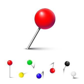 Кнопки разного цвета, изолированные на белом фоне.