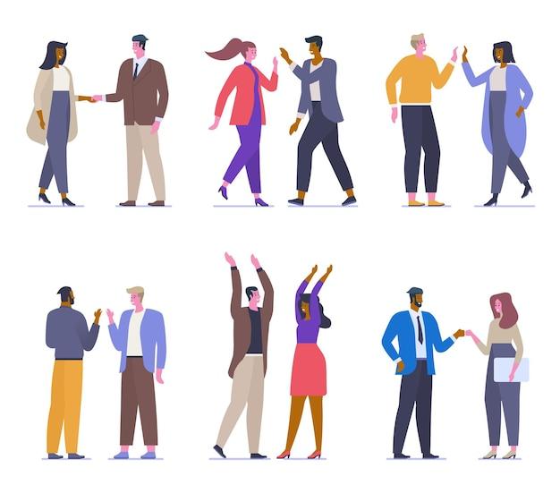 다른 인사말 평면 벡터 일러스트를 설정합니다. 행복한 회사원, 학생, 공식적인 옷을 입은 친구 만화 캐릭터. 쾌활한 포즈로 웃는 사람들. 악수, 주먹 충돌 및 하이파이브