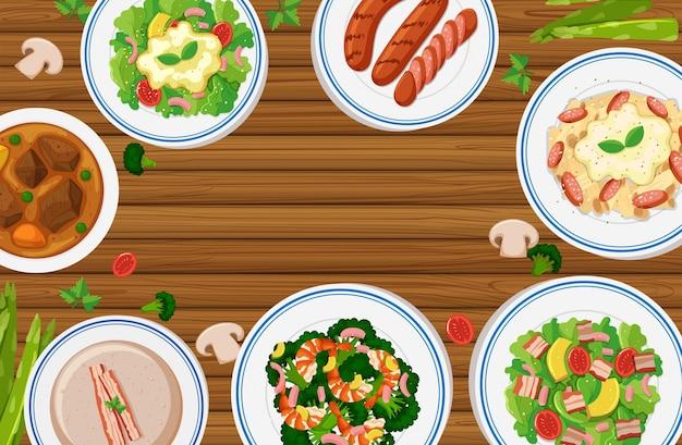 Различные виды продуктов питания на деревянной доске