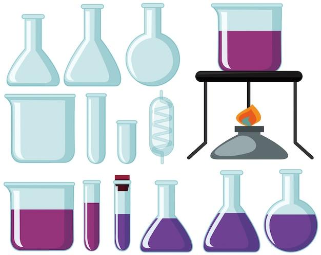 Различные типы стеклянных стаканов для научного эксперимента