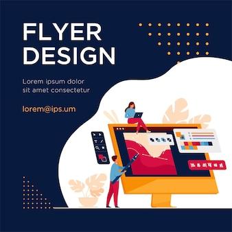 Squadra di designer digitali disegno con la penna sul monitor del computer. uomini e donne che lavorano con un editor grafico. modello di volantino